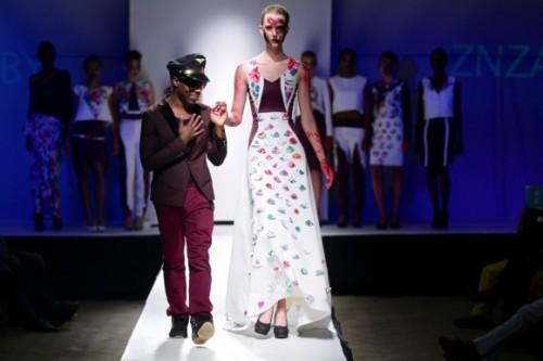 Znzorzi Adby  Zimbabwe Fashion Week 2013 (19)