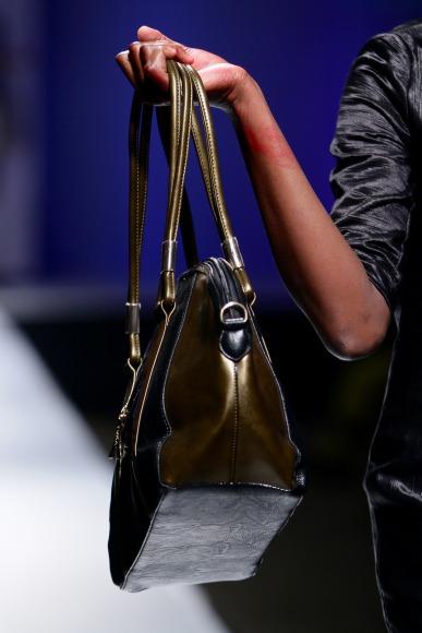 Znzorzi Adby  Zimbabwe Fashion Week 2013 (4)