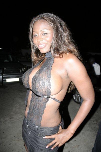 modern-russian-namitha-sexy-nipples-photos-construction-woman