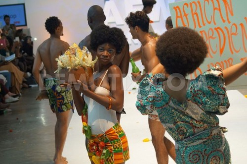 1407550222-nigerian-beach-party-erupts-on-afwl-2014s-runway_5479263
