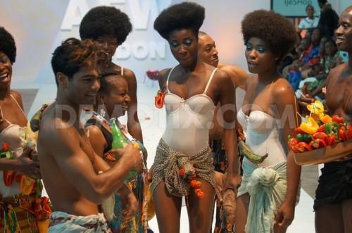 1407550233-nigerian-beach-party-erupts-on-afwl-2014s-runway_5479292