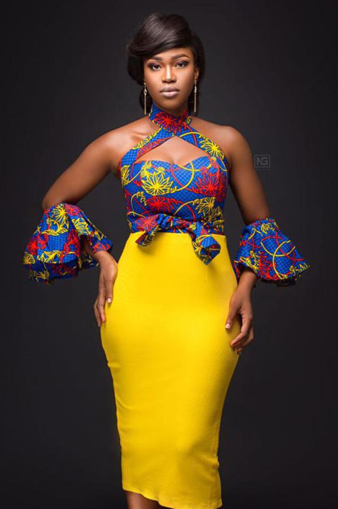 Afriken Detached Sleeves Top With Plain Skirt
