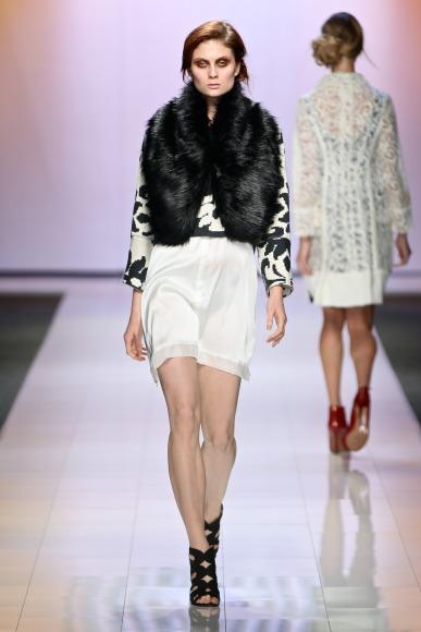 Stefania Morland  Mercedes Benz Fashion Week joburg 2015 african fashion fashionghana (17)